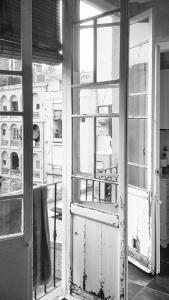 carpinteria-madera-galeria-barcelona-gracia-rota