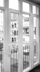 clicons-carpinteria-madera-galeria-barcelona-gracia-nueva