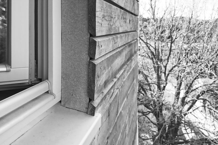 madera-natural-ventana-fachada-arbol